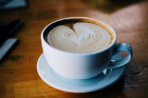 Milchkaffee der Gesundheit wegen: die vielen guten Wirkungen des Kaffees